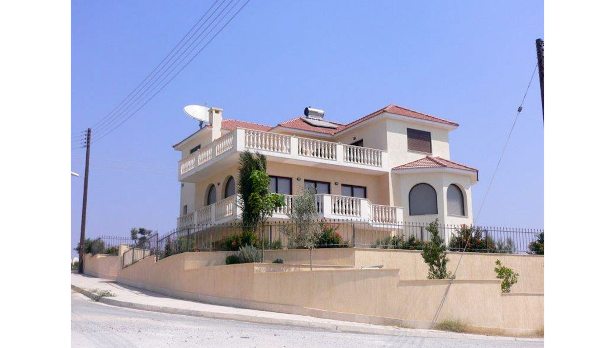 Luxury Villa in Ayios Athanasios